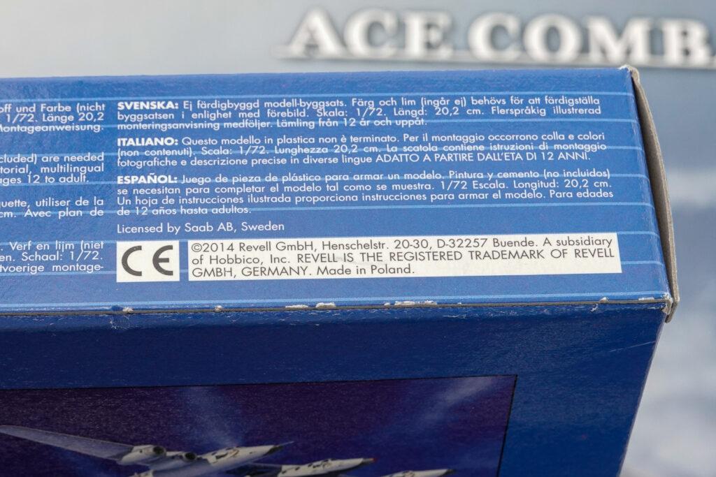 ドイツレベル 1/72 グリペンの箱の側面 ポーランド製の表記