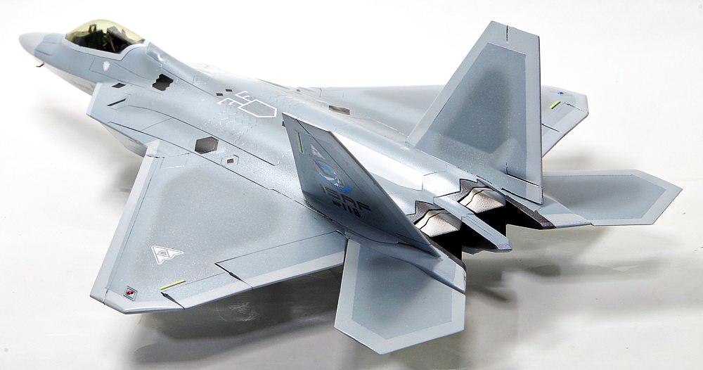 ハセガワ 1/72 F-22 ラプター エースコンバット メビウス1のプラモデルの完成品
