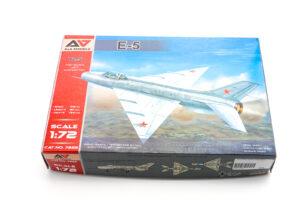 A&A 1/72 Ye-5 プラモデル 箱