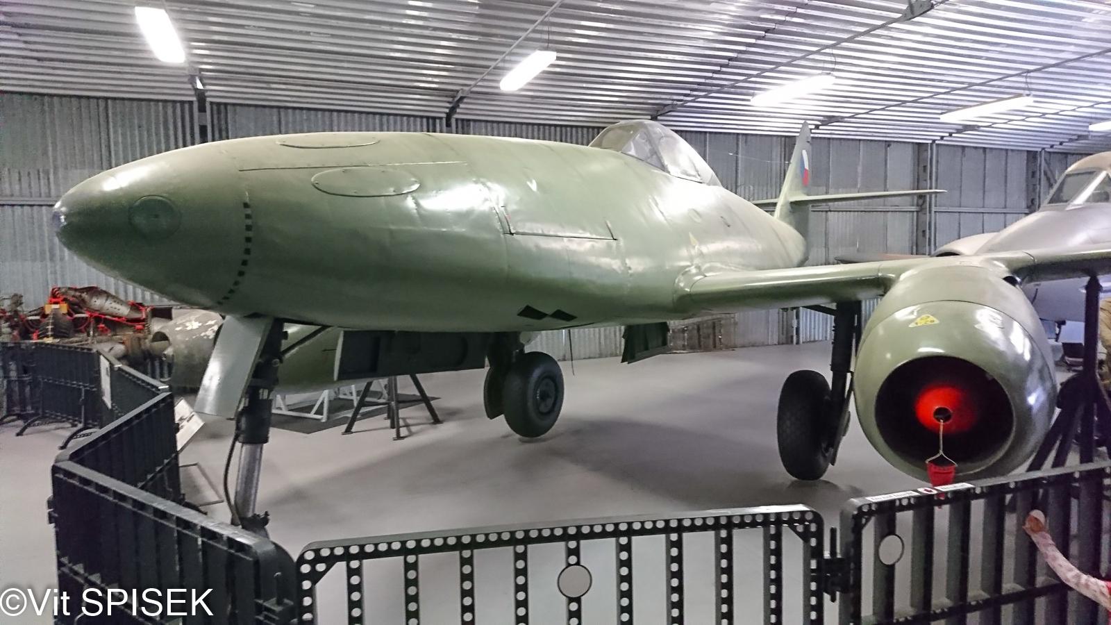 アヴィア S-92 実機画像