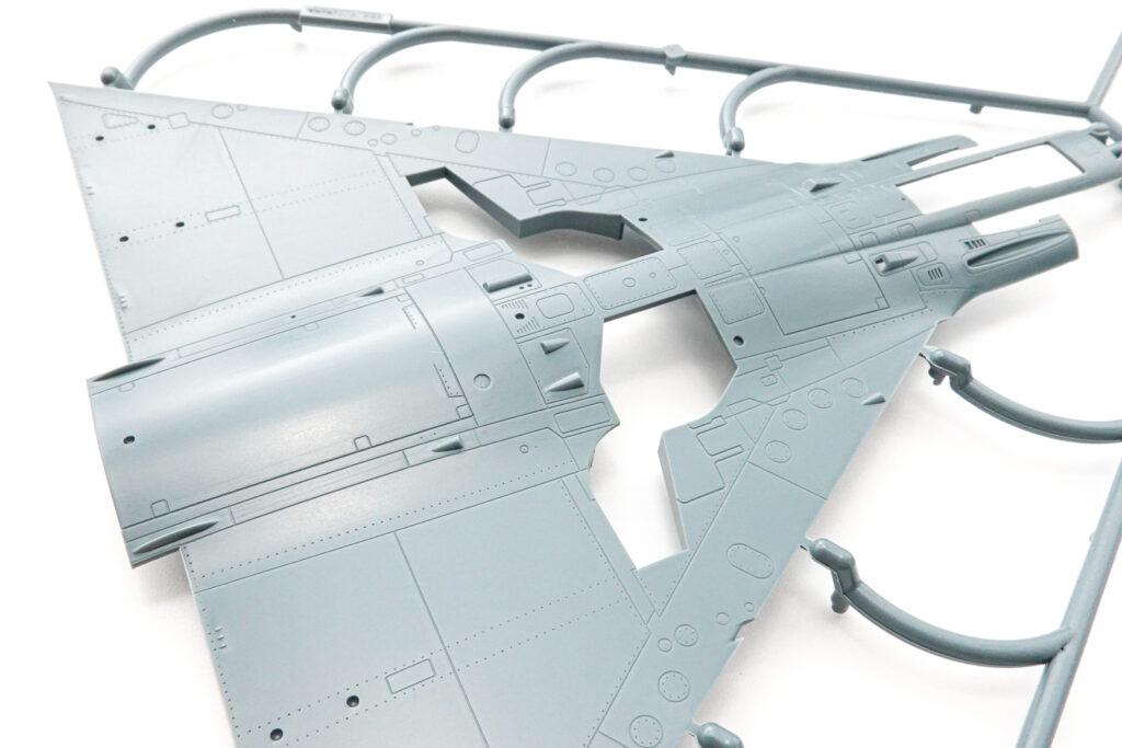 エデュアルド 1/48 ミラージュⅢCJ  プラモデル 主翼パーツアップ