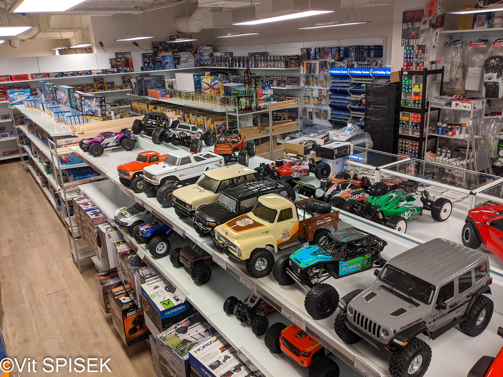 チェコの模型店Profimodel の店内 ラジコン